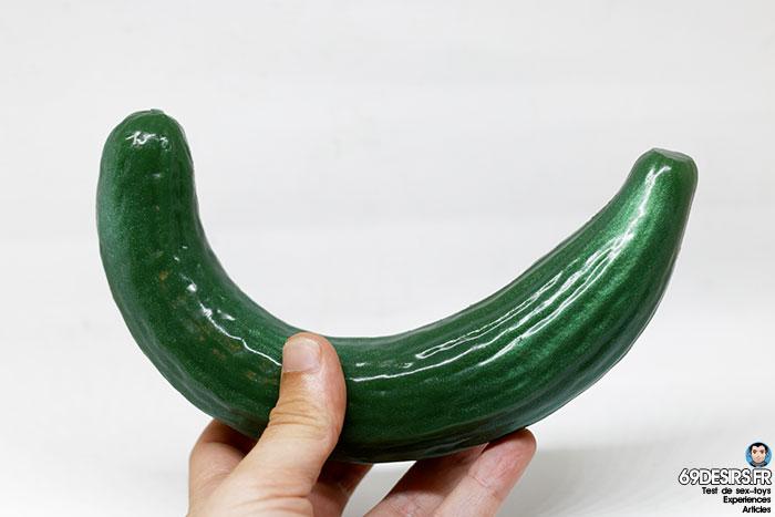 curved cucumber dildo - 11