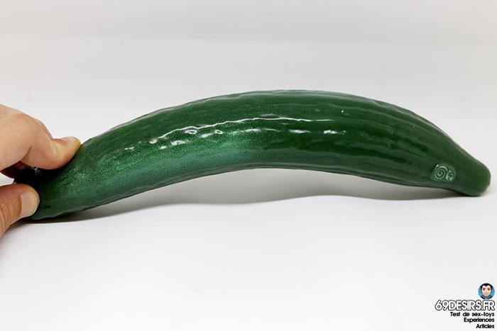 curved cucumber dildo - 12