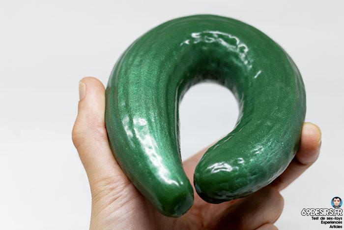 curved cucumber dildo - 13