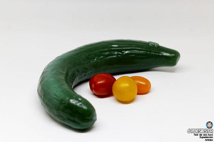 curved cucumber dildo - 15