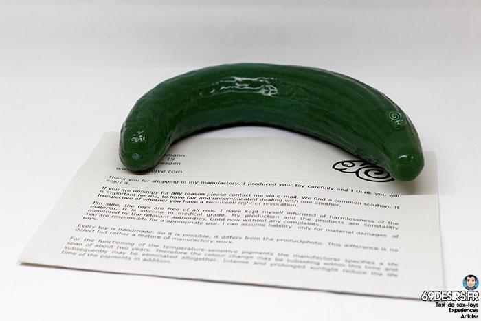 curved cucumber dildo - 17