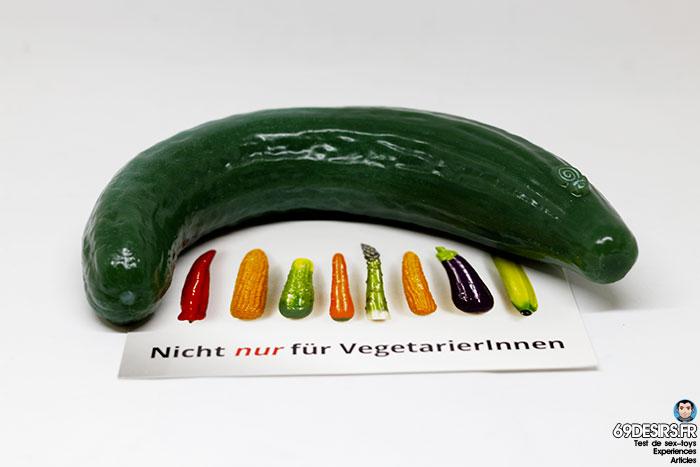 curved cucumber dildo - 18