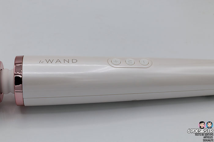 Le Wand Rechargeable Massager - 11
